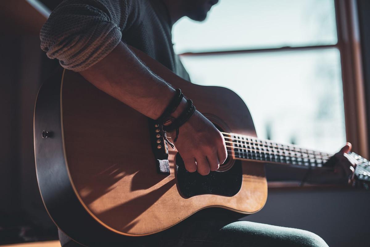 Las mejores guitarras para principiantes | Fanatic Guitars